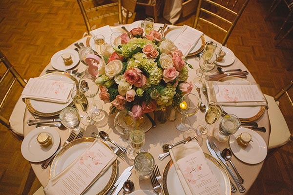 Elegant Round Table Wedding Setting - Hampshire House Boston